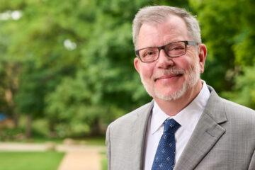 Photo of President Eric Kaler on CWRU campus